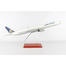 B777-300ER United  1:100 with stand  no gear