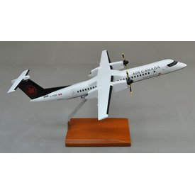dash8 Q400 Air Canada express 2017 livery Sky Regional C-FSRZ 1:72 with  stand