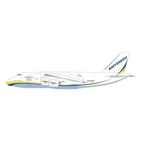 An124-100M Ruslan Antonov Airlines UR-82027 1:400