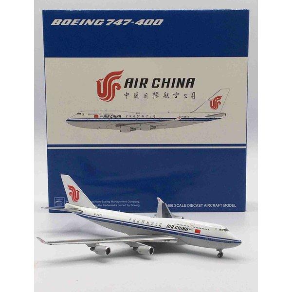 JC Wings Boeing B747-400 Air China B-2472 1:400