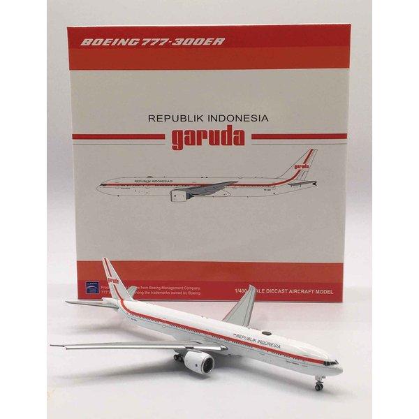 JC Wings B777-300ER Garuda Indonesia Republik Retro PK-GIG 1:400 flaps