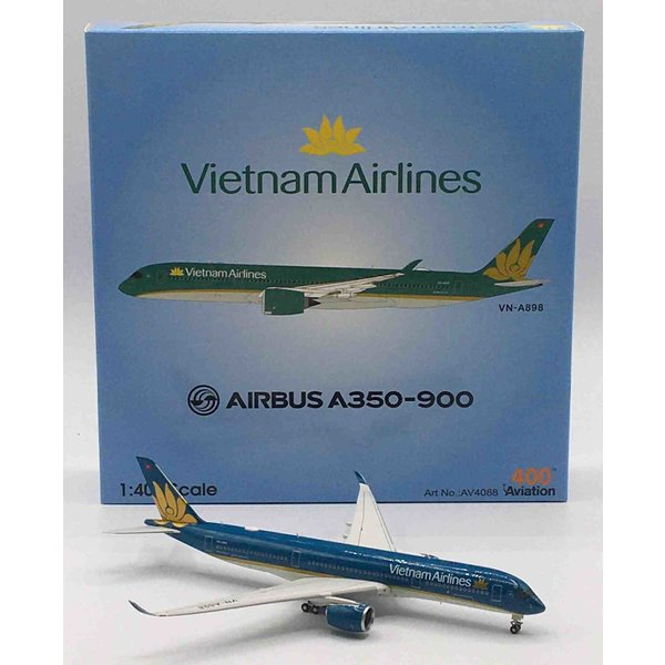 A350-900 Vietnam Airlines VN-A898 1:400 with stand