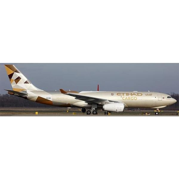 JC Wings A330-200F Etihad Cargo 2014 livery A6-DCE 1:400**o/p**