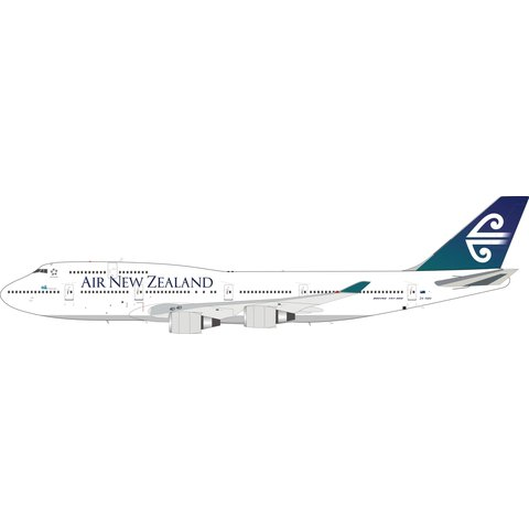 B747-400 Air New Zealand old livery 1:200 (3rd) +Preorder+ with coin