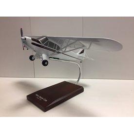 Piper PA-18A Super Cub 1:24 wooden display model