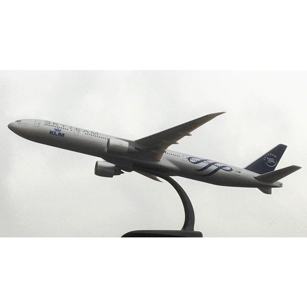 PPC Models B777-300ER KLM Skyteam PH-BVQ 1:200 with stand