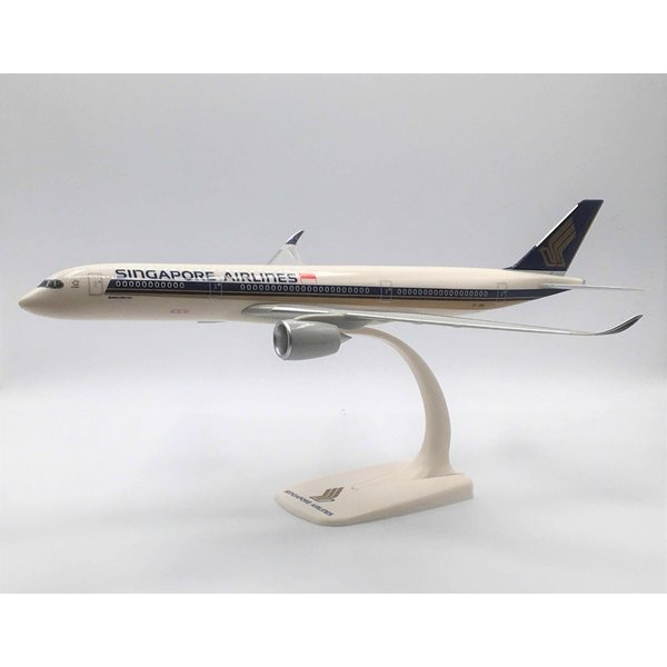PPC Models A350-900 Singapore 9V-SMA 1:200 with stand