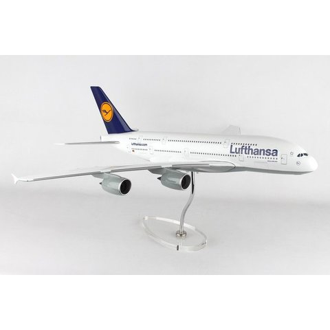 A380-800 Lufthansa 1:100 Skymarks Supreme with stand (no gear)