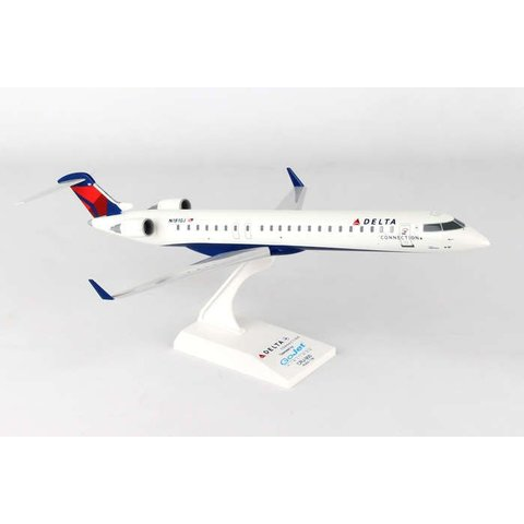 Delta CRJ900 Delta 2007 livery GoJet N181GJ 1:100 with stand