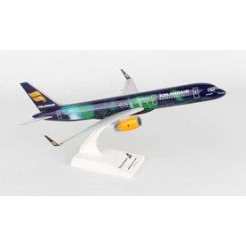 SkyMarks B757-200 Icelandair Hekla Aurora TF-FIU 1:150 with stand (no gear)