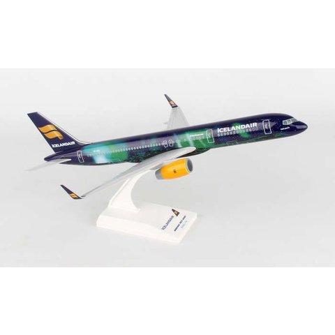 B757-200 Icelandair Hekla Aurora TF-FIU 1:150