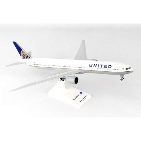 B777-300ER United 2010 livery 1:200 with gear + stand