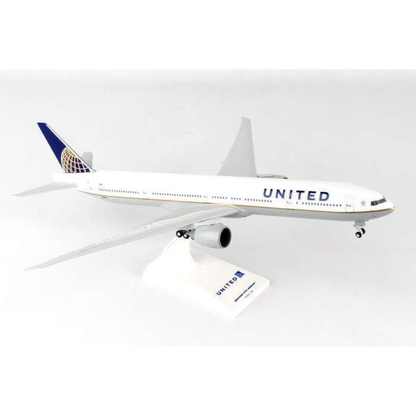 SkyMarks B777-300ER United 2010 livery 1:200 with gear + stand