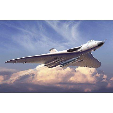 CYBER Vulcan B2 Bomber nucflash white 1:200 KIT