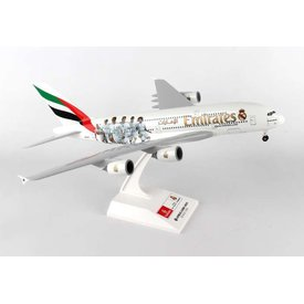 SkyMarks A380-800 Emirates Real Madrid 1:200 with gear