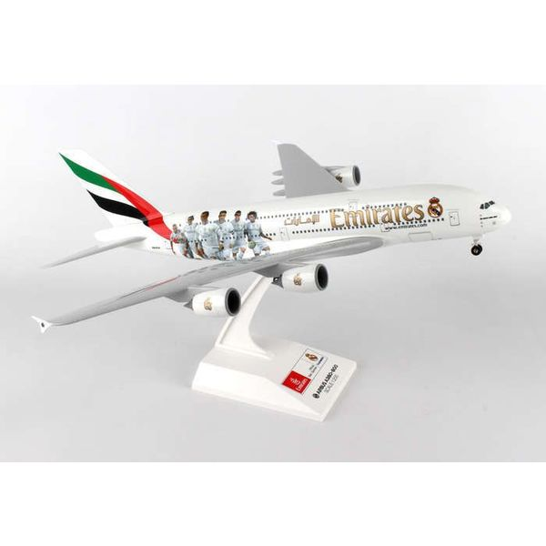 SkyMarks A380-800 Emirates Real Madrid 1:200 with gear+stand