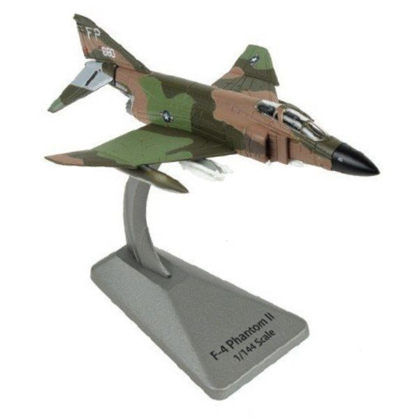 Air Force 1 Model Co. F4C Phantom II Robin Olds 8TFW FP Op Bolo Smithsonian Srs 1:144 w/stand
