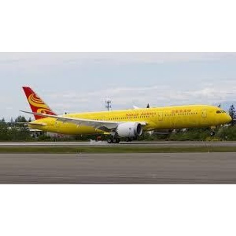 B787-9 Dreamliner Hainan All Yellow B-7302 1:200 with Stand