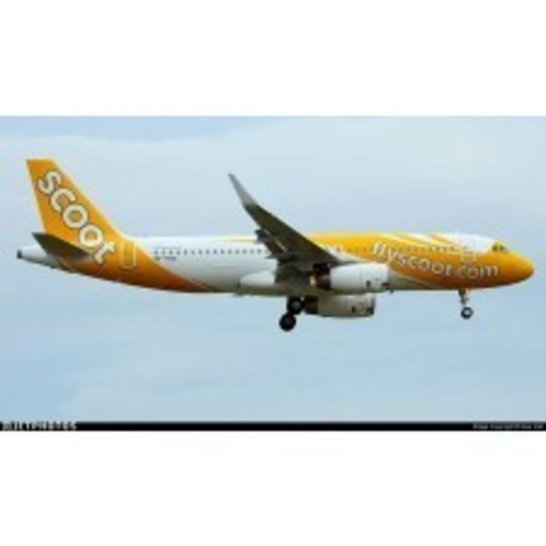 JC Wings A320S SCOOT 9V-TRN Sharklets 1:200 with stand