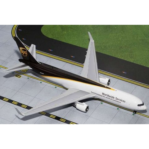 B767-300FW UPS United Parcel Service N344UP 1:200