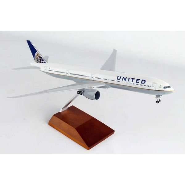 SkyMarks United 777-300 1/200 W/Wood Stand