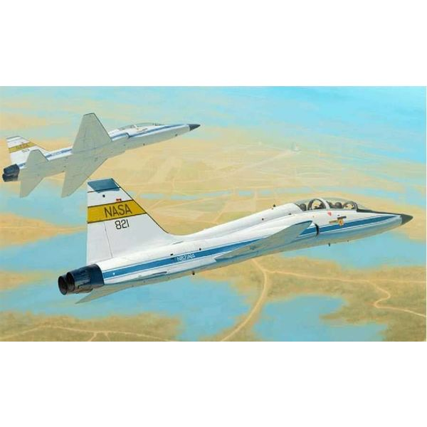 Trumpeter Model Kits T38C TALON NASA 1:48  Kit