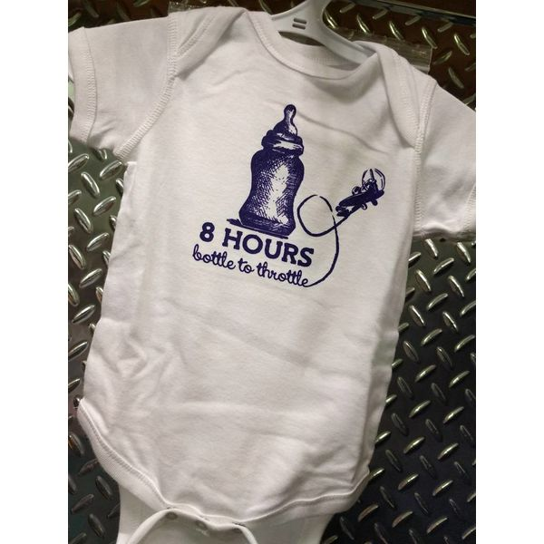ONESIE 8 HOURS BOTTLE TO THROTTLE 12 MONTHS - WHITE