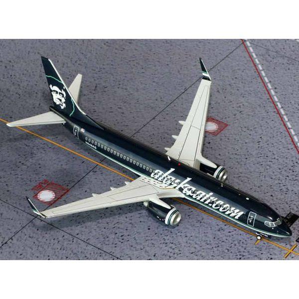 Gemini Jets B737-800W Alaska alaskaair.com Black livery 1:200 with stand**o/p**