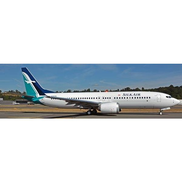 JC Wings B737 MAX8 Silkair 9V-MBA 1:200 with Stand