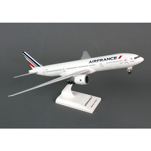 SkyMarks B777-200 Air France 1:200 with gear+ stand