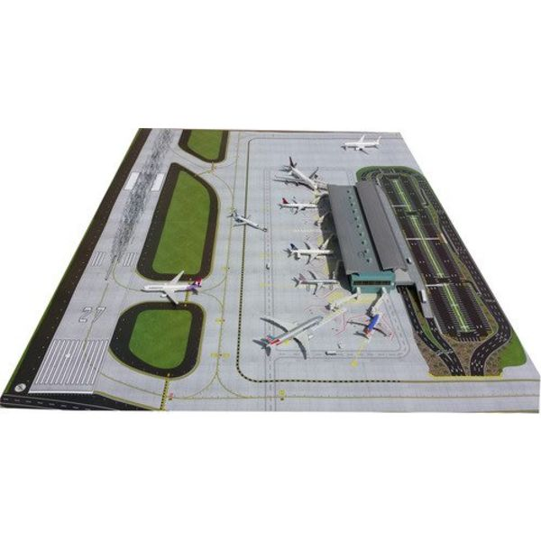 """Gemini Jets Airport Mat Airside/Groundside 1:400/1:200 (Does not include buildings or accessories)  (39 1/4"""" x 54 1/2"""")"""