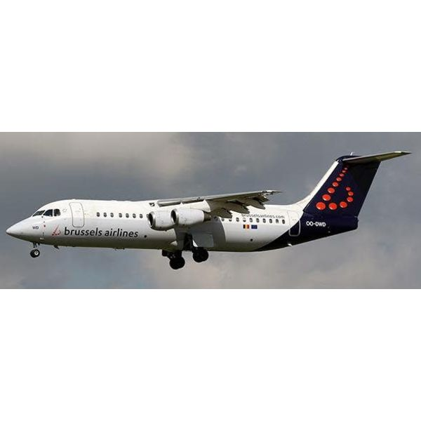 JC Wings RJ100 Brussels Airlines Farewell Avro OO-DWD 1:200 with stand