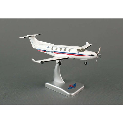 PC12 Royal Australia Flying Doctor VH-YWO 1:150 with stand