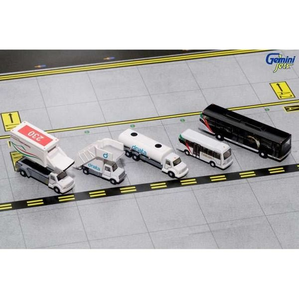 Gemini Jets Ground Equipment Emirates #1 Catering Truck, Stairs, fuel Truck, Busses 1:200