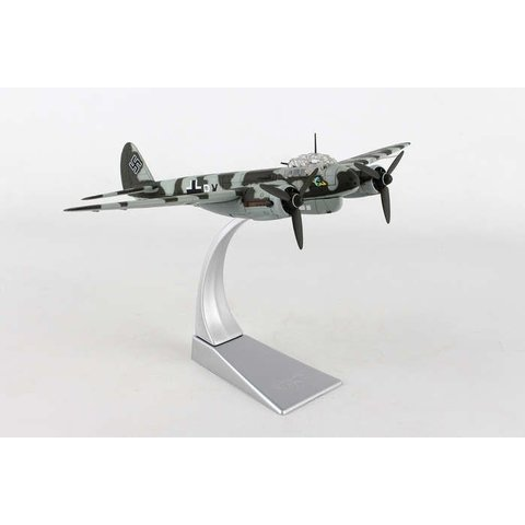 JU88 1-3/KG40 Luftwaffe Bay of Biscay 1943 1:72 with stand**o/p**