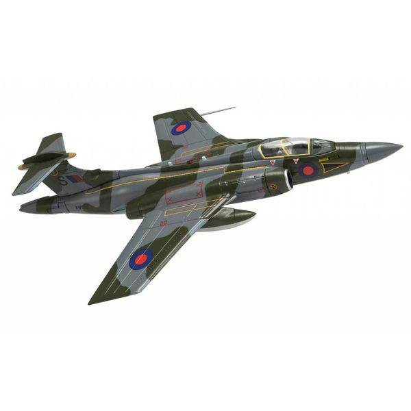Corgi Buccaneer S2 16 Squadron Saints RAF Gutersloh XW538/S, camouflage 1:72 with stand