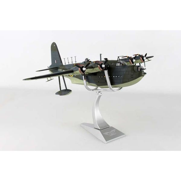 Corgi Sunderland MKII 10 Squadron RAAF RAF Mountbatten, Plymouth Sound 1942 camo RB-Y W3999 1:72 with stand+NSI+