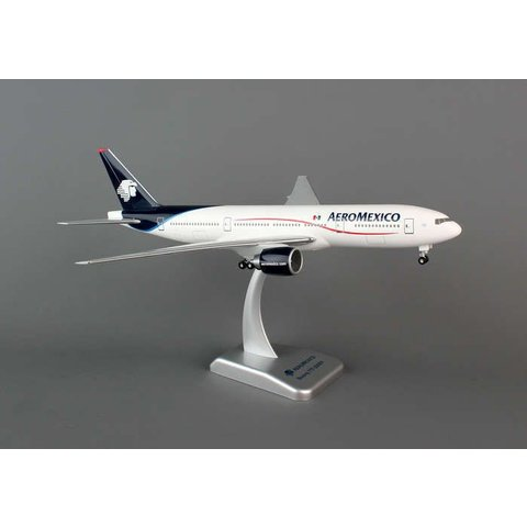 B777-200 Aeromexico 1:200 with gear+stand