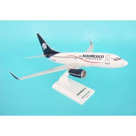 SkyMarks B737-700 Aeromexico new livery 1:130 with stand