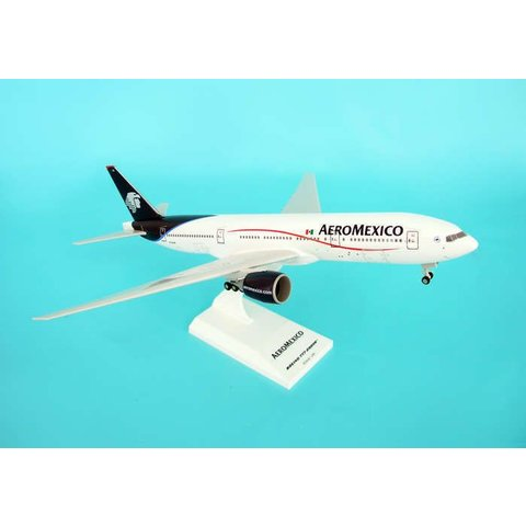 B777-200ER Aeromexico New colours 1:200 with gear + stand