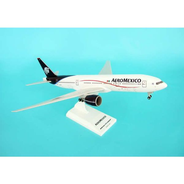 SkyMarks B777-200ER Aeromexico New colours 1:200 with gear + stand
