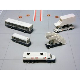 Gemini Jets Airport Service Vehicles 1:200