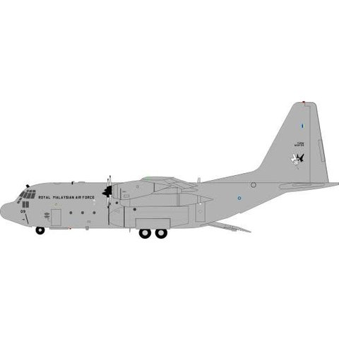 C130H Hercules Malaysia Air Force M30-09 1:200 w/stand