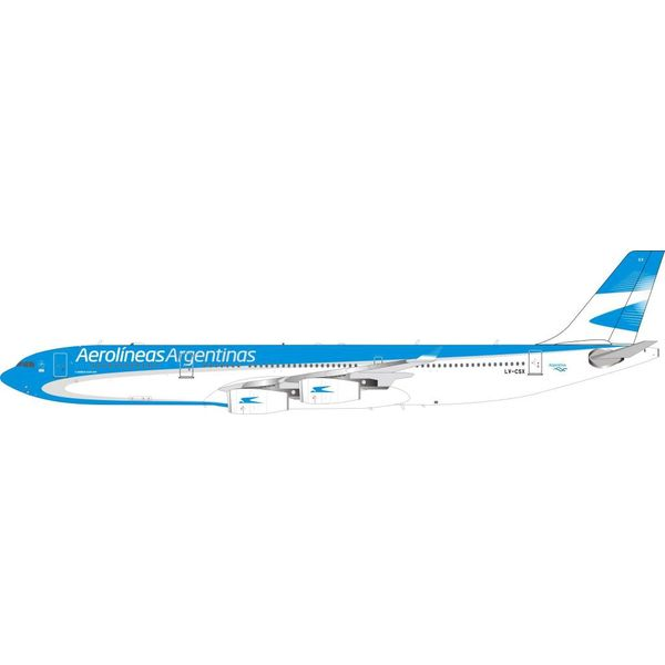 A340-300 Aerolineas Argentinas LV-CSX 1:200 With Stand by InFlight