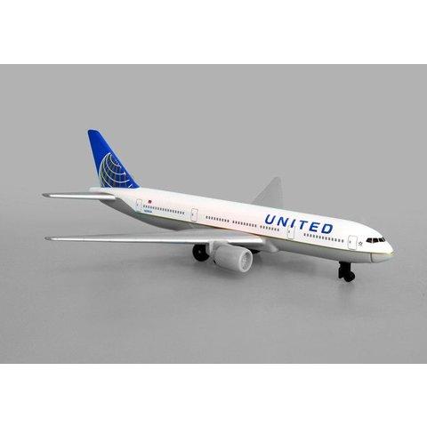United B777 Single Plane