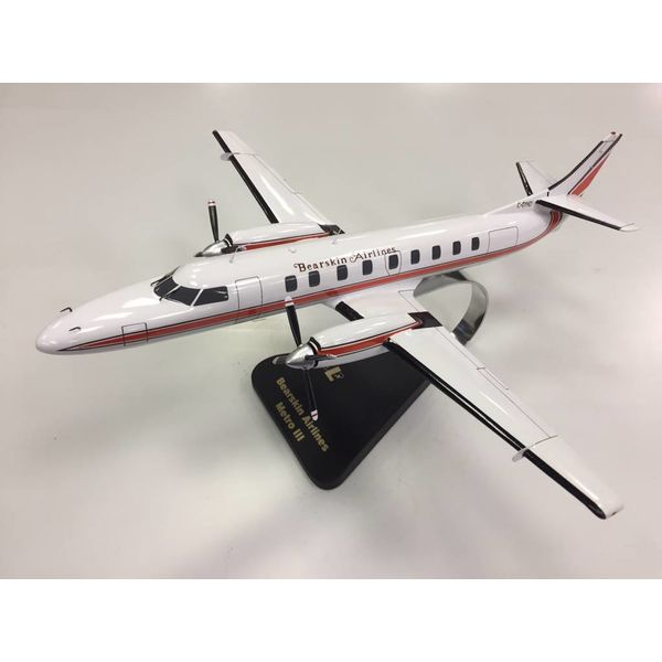 SA227 Metroliner Bearskin Airways OC Mahogany w/stand