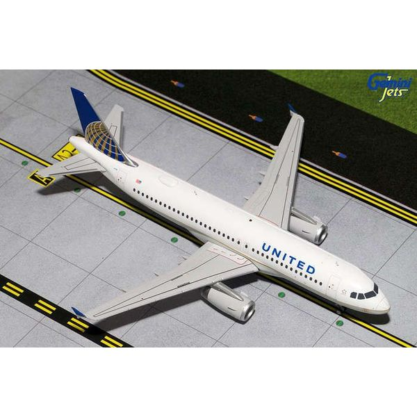 Gemini Jets A320 United 2010 livery N404UA 1:200 with stand