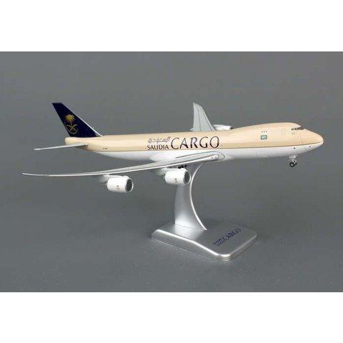 HOGAN SAUDI CARGO 747-8F 1/400 FLEXED WINGS & STAND #HZ-A14