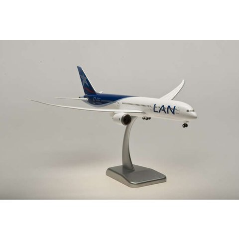 HOGAN LAN 787-9 1/200 W/GEAR