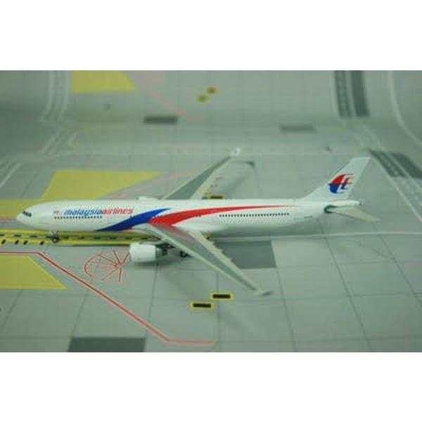 Phoenix A330-300 Malaysia 2010 livery 9M-MTB 1:400 (2nd release)